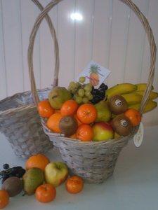 cadeau fruitmand met hengsel