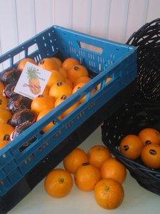 Kist hand sinaasappels